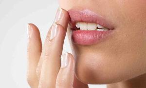 Домашние рецепты и косметические советы для мягких губ