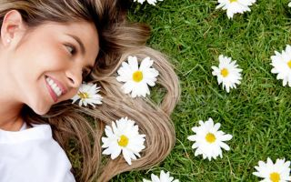Осветляем пряди и укрепляем корни ромашкой: рецепты домашних лечебных средств для волос