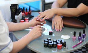 Как правильно наращивать ногти?