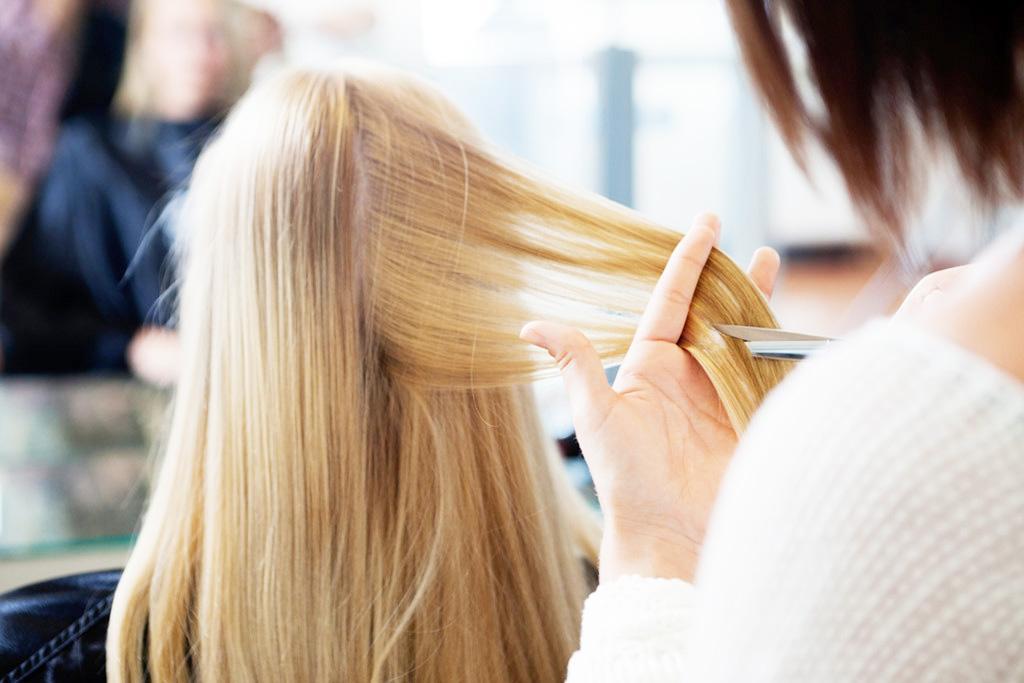 Почему термострижка помогает вернуть волосам здоровье?