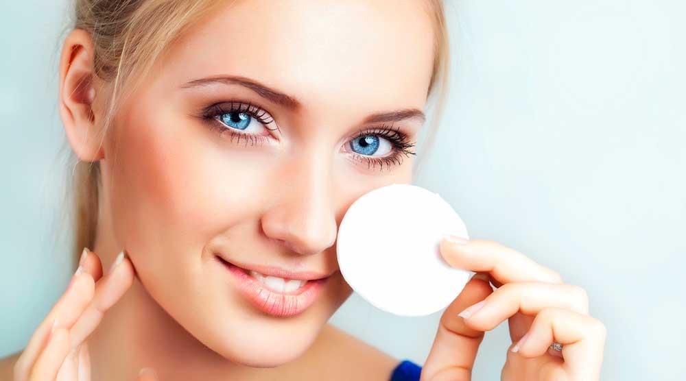 Мицеллярная вода: как пользоваться косметическим средством
