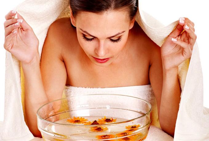 Как правильно делать паровые ванночки для лица?