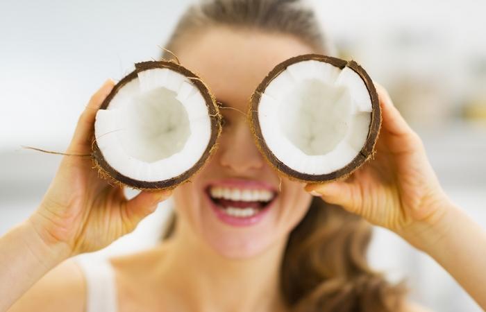 Польза кокосового масла для лица: правила использования, рецепты эффективных косметических средств