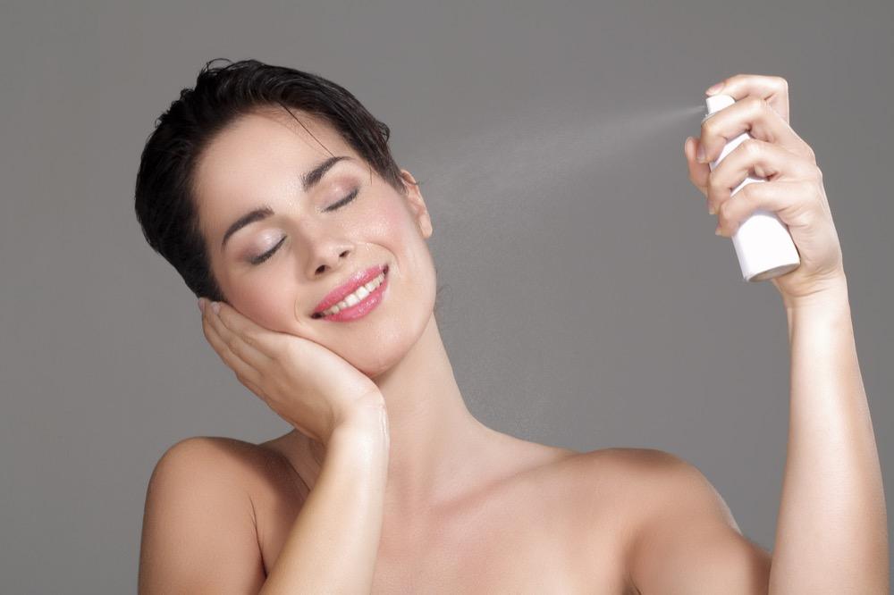 Гиалуроновая сыворотка для ухода за кожей лица