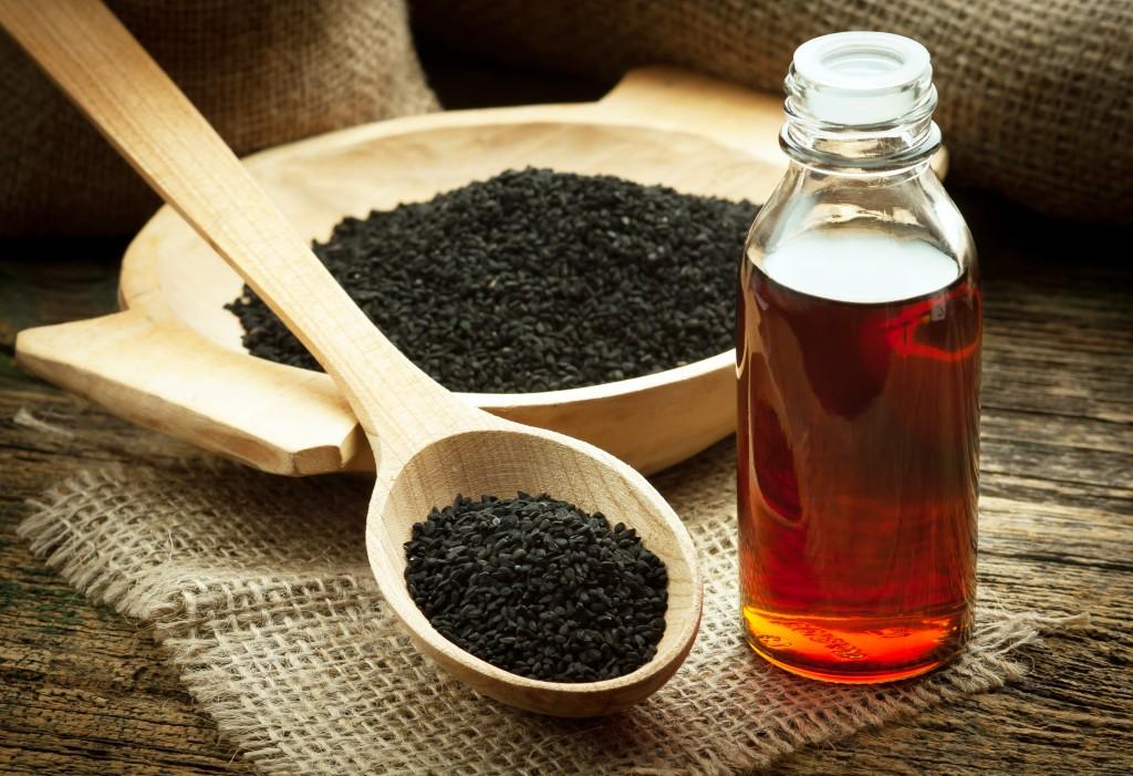 Правила применениямасла черного тмина для лица