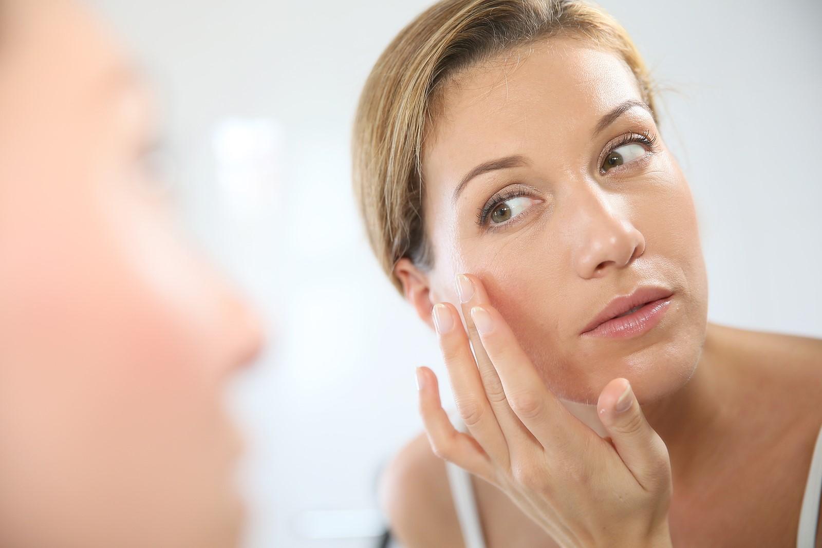 Свойства, показания и противопоказания ретиноевой мази для лица
