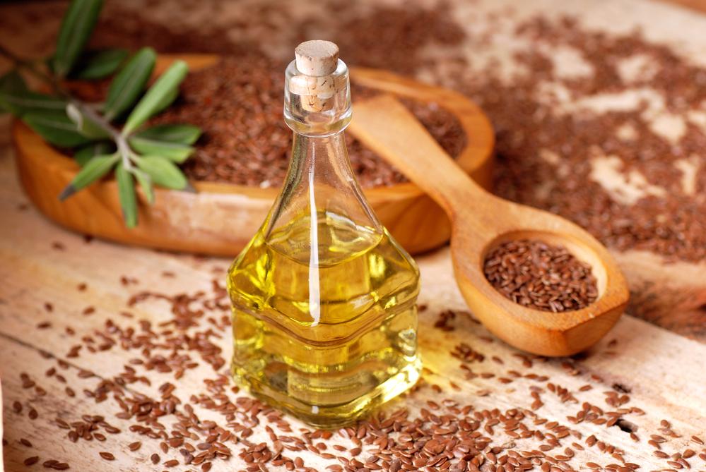 Рецепты средств с льняным маслом против морщин.