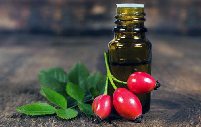 Состав, польза и способы применения масла шиповника для лица.