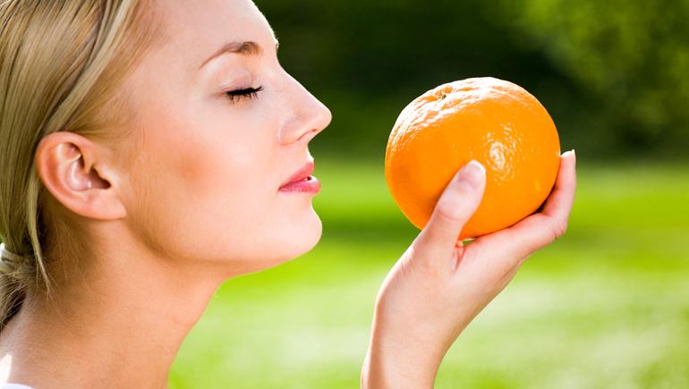 Эфирное апельсиновое масло для кожи лица