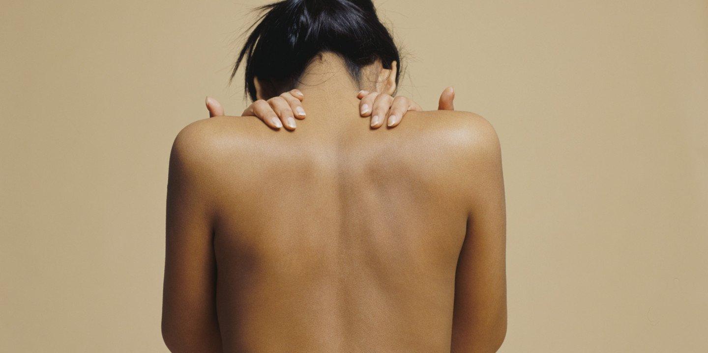 Способы избавления прыщей на спине.