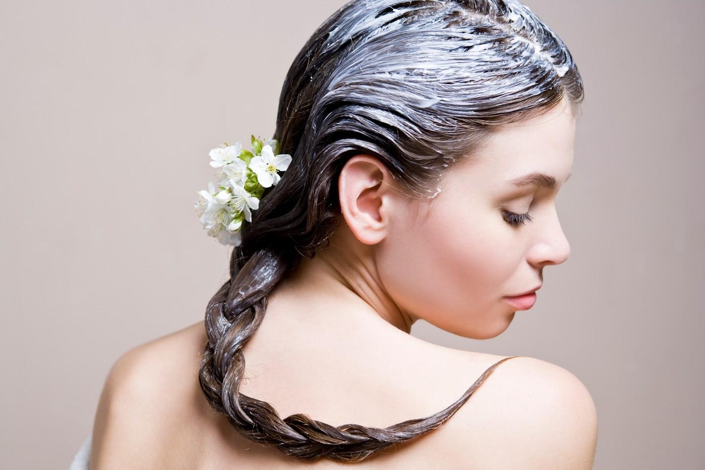 Какие витамины использовать в масках для волос?