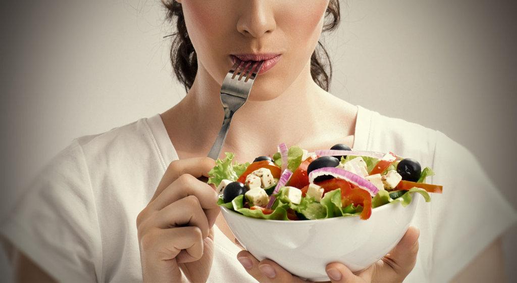 Причины жировых отложений в животе и боках.