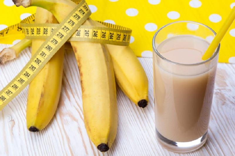 Бананы при похудении: после тренировки, с творогом, можно или нет?