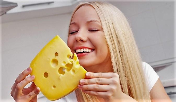 Польза продукта сыр при похудении.