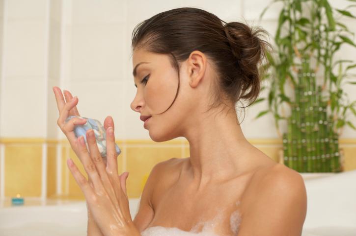 Мыло с антицеллюлитным эффектом: принцип действия и результат