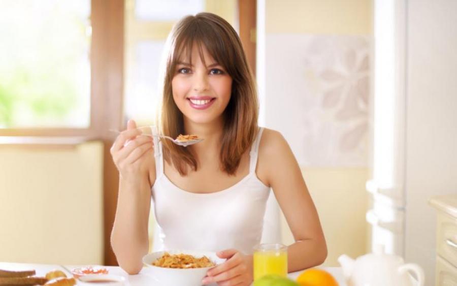 Полезные завтраки для похудения: почему обязательно нужно завтракать?